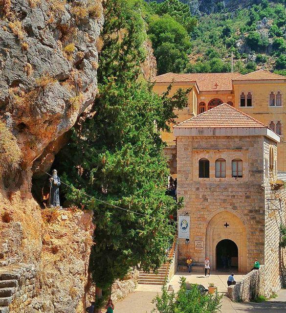 ❤🙏 lebanon nature naturelovers natureporn landscape follow4follow ... (Mar Antonios-Kozhaya)