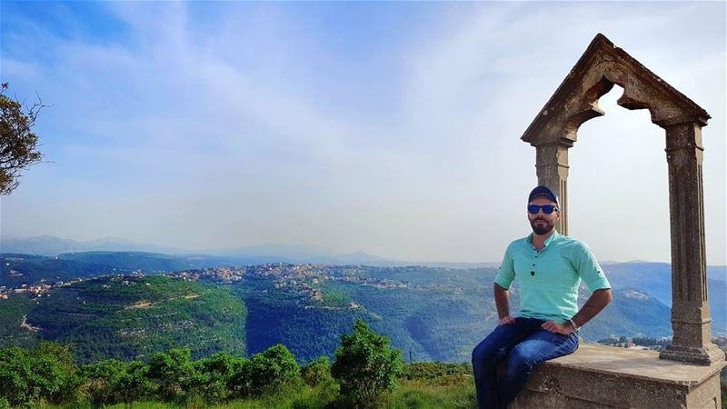 morning 🌸🌼 (Deïr El Qamar, Mont-Liban, Lebanon)