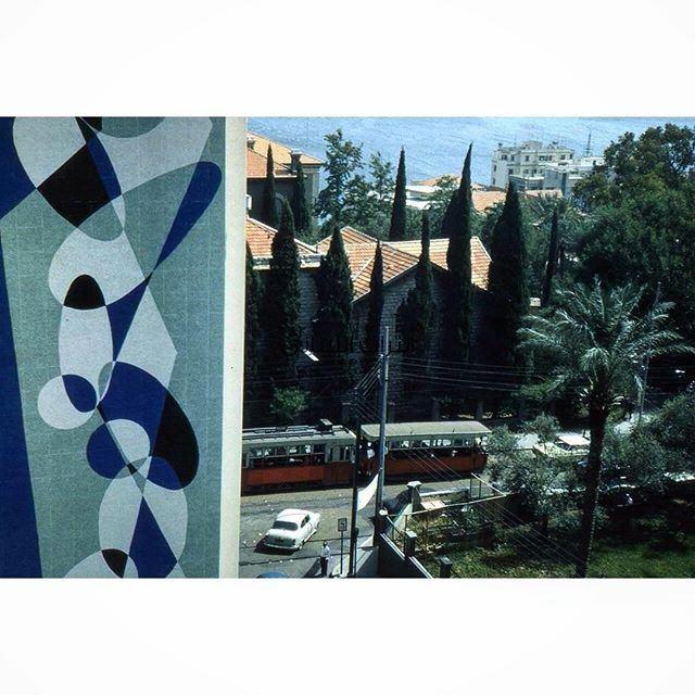 الترمواي جانب الجامعة الامريكية بيروت عام ١٩٥٥ ،