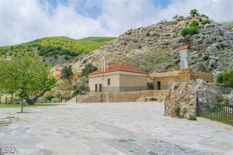 أسعد الله صباحكم بكل خير ☺ ammiq church lebanon lebanoninstagram ...