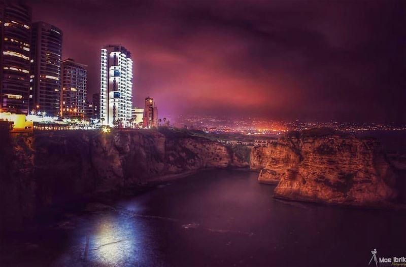 Raouche Rocks 💚 by @moe_ibrik 😍💚😍💚😍💚 ourlovelylebanon meetlebanon...