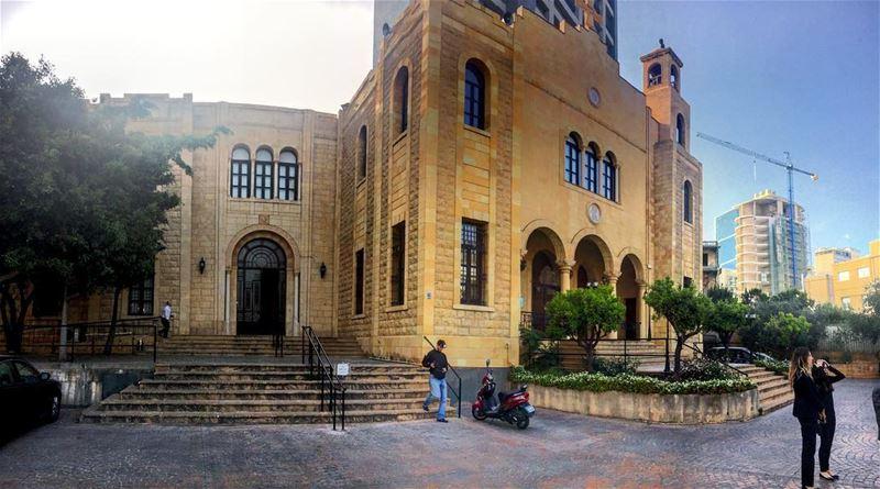 Al motranieh church ❤ lebanon lebanon_hdr lebanoninapicture trekking... (Achrafie, Beyrouth, Lebanon)