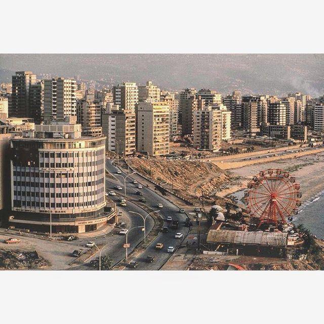 الرملة البيضاء بيروت عام ١٩٨٢ ،