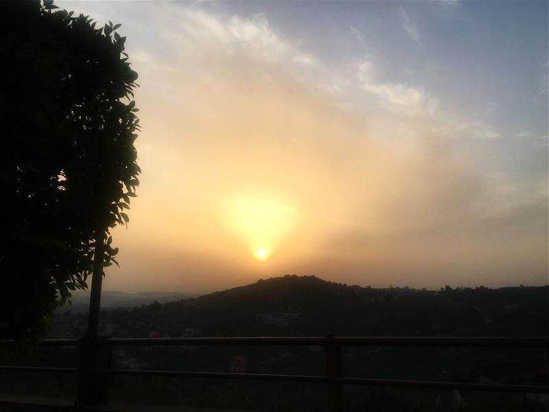 lebanon southlebanon houminealfawka amazingsunset behind the hills ... (Hoûmîne El Faouqa, Al Janub, Lebanon)