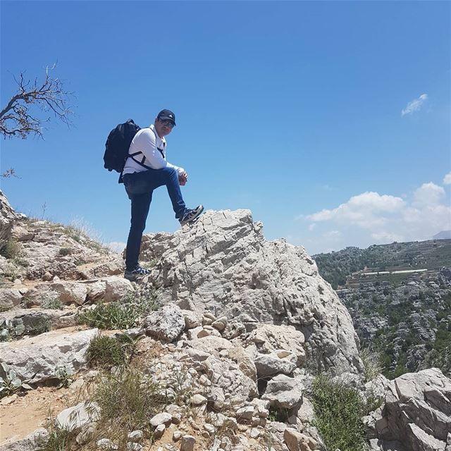 Surround yourself with positive energy...@jabalmoussa jabalmoussa hiking... (Salib Jabal Moussa)