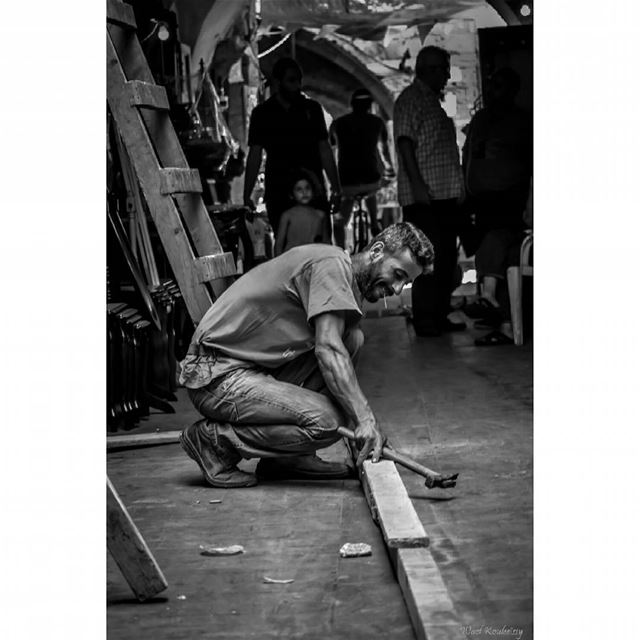 bnw craftsman man working market blackandwhite craft street ... (Old Saida Souks)