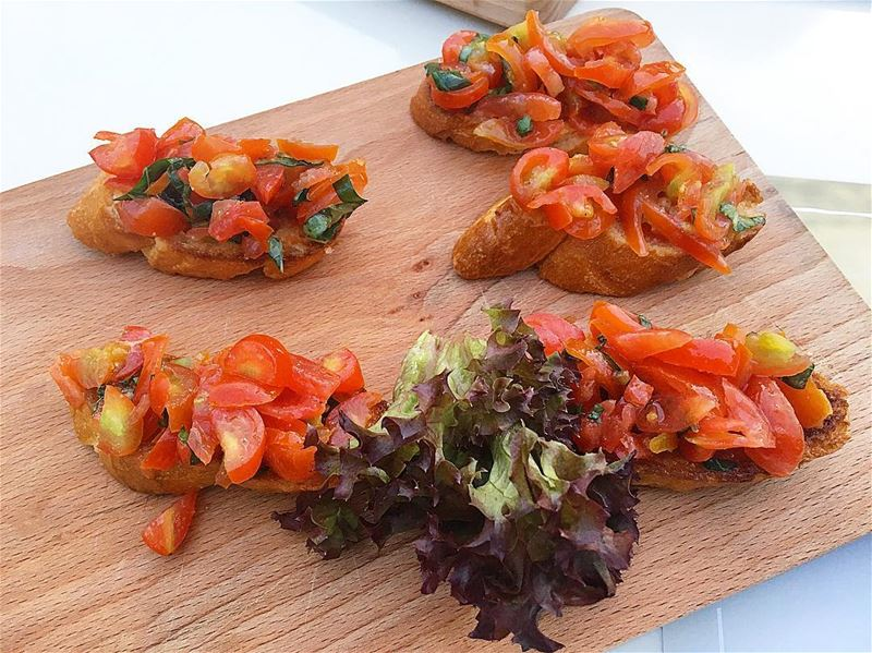Bruschetta Pomodoro 🍅🍅 @medrestaurantleb .. pomodoro food eat yummy... (Beirut, Lebanon)