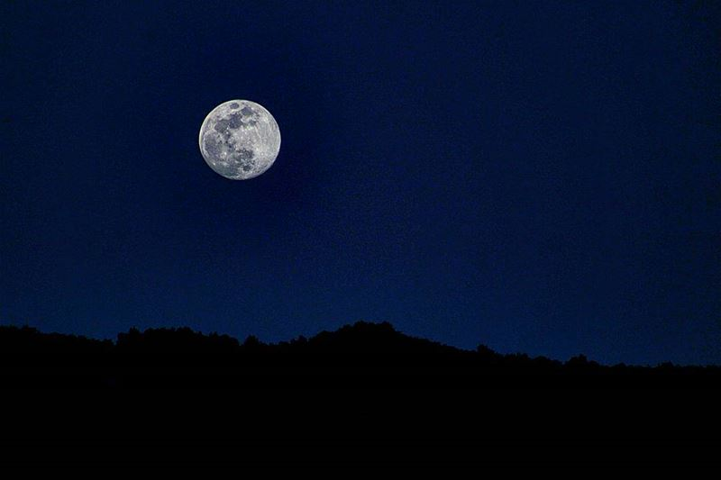 🌚🌚 sergesarkisphotography fullmoon photography canon ... (El Kfour, Mont-Liban, Lebanon)