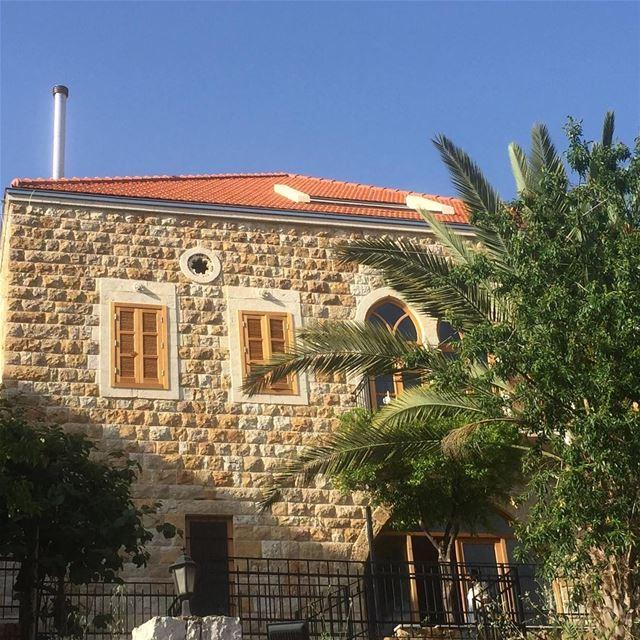 ig_lebanon whatsuplebanon ptk_lebanon lebanon vintage architecture ... (Zouk Mosbeh)