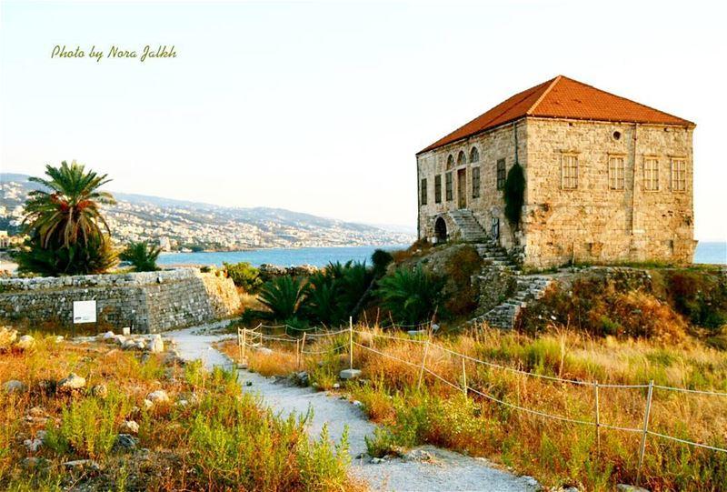 Byblos❤❤ ourlovelylebanon instalebanon lebanoninapicture lebanesehouse... (Byblos - Jbeil)