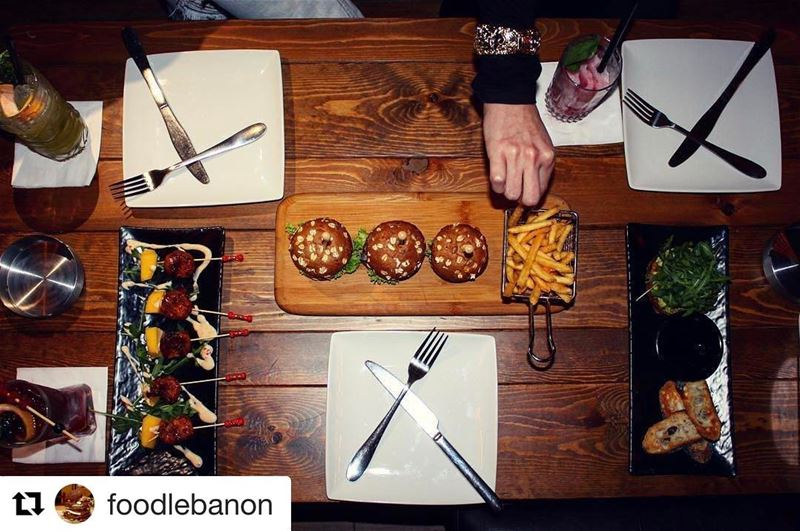 Repost @foodlebanon Dinner is served 😌🍴 At @jackieobeirut !! food ...