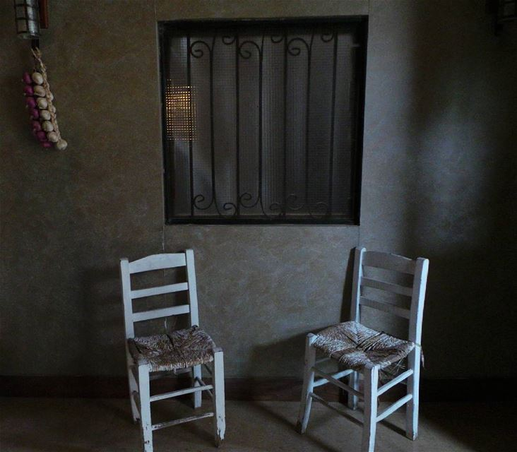 zahle zahleh lebanon old chair window photobooth photographer photography... (Zahlé, Lebanon)
