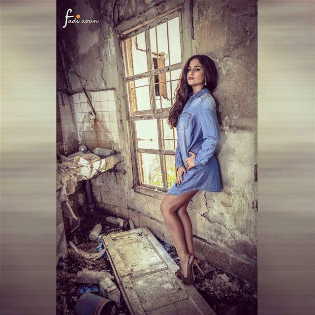 Photo fadiaounphotography photoshooting model oldhouse ruins ...