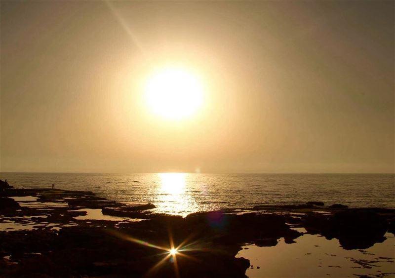 sunset gold lovelytimes lebanontimes lebanon_pictures insta_lebanon... (Soûr, Al Janub, Lebanon)