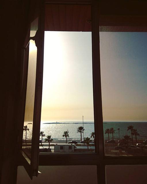 Asymmetrical Break. 🔽 saida sidon southlebanon palmtrees beach sea ... (Kornish Saida)