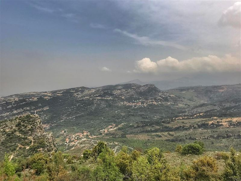 """Our lovely Lebanon❤️""""Nature is the best medicine""""😌 (Jabal Hardîne)"""