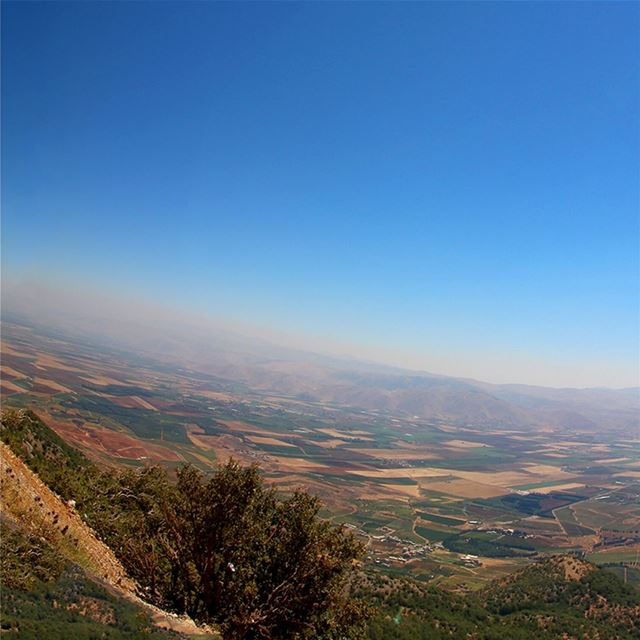 Bekaa Valley 💙 • pan·o·ram·ic /2/ • ➡️Swipe to see 💚 panoramic view ... (Beqaa Valley)