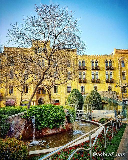 فرحا بشيء ما خفيٍّكنت أَمشي حالماً بقصيدة زرقاء من سطرينمن سطرين عن فرح خ (Beirut, Lebanon)