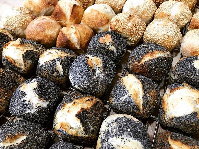 Petits pains carrés pavot, sésame et tradition 🥖🥖🥖⠀ livelovefood ...