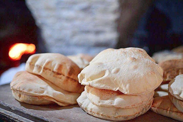 Ever tried Jezzine's freshly baked bread? FreshFromTheOven delicious and... (Jezzîne, Al Janub, Lebanon)
