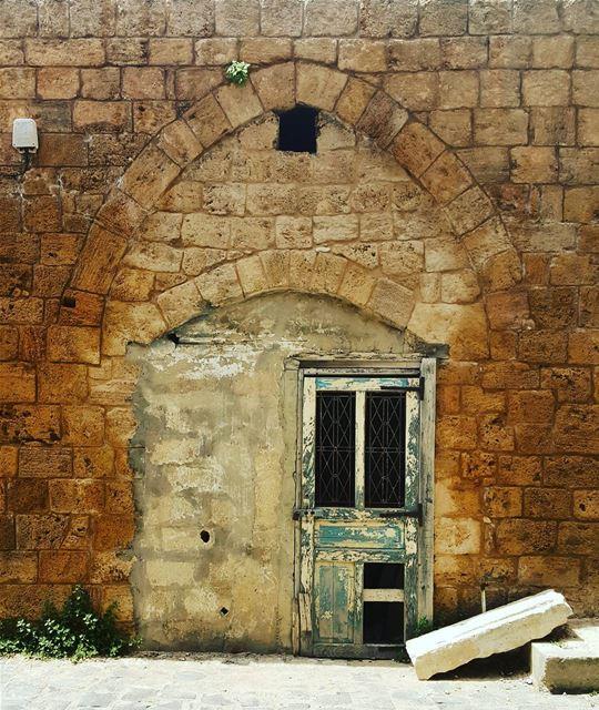 whatsuplebanon insta_lebanon meetlebanon super_lebanon ... (Batroun Old Souk)