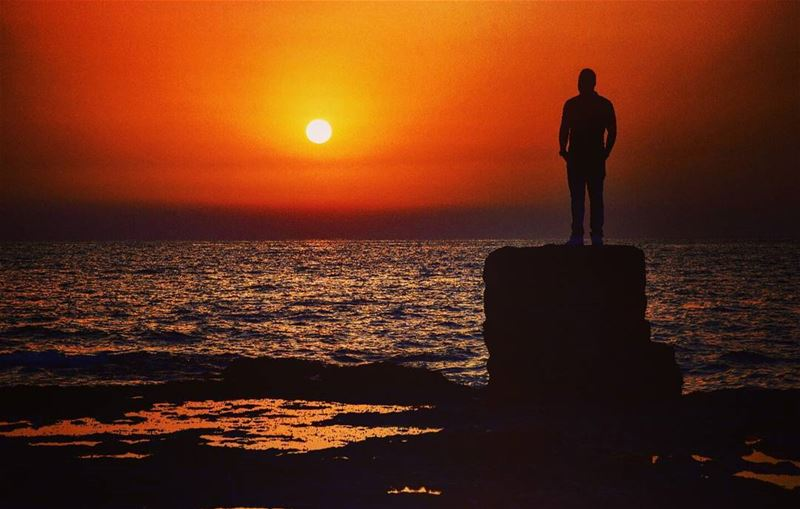 @youness.chreim sunsetporn sunsets sunset sunsetlovers sunset🌅... (Naqoura)