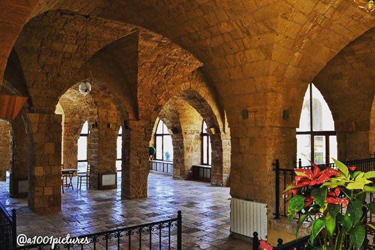 Such beautiful traditional architecture @laubergedelamer . Built in the... (L'Auberge de la Mer)