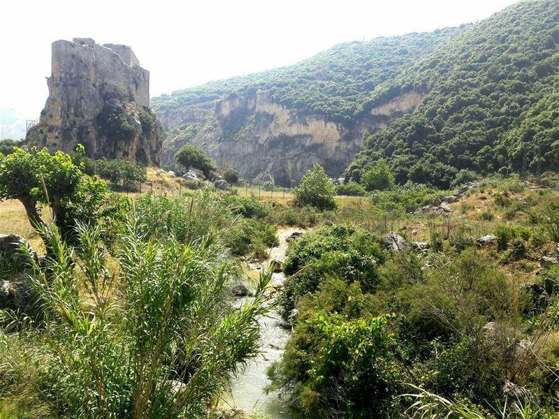 north lebanon lebanoninapicture lebanonspotlights msaylha castle ... (Msaylha Castle)