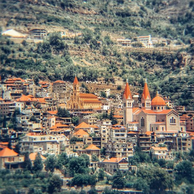 Bcharreh - LiveLoveBecharre LiveLoveLebanon wearelebanon ... (Bcharreh, Liban-Nord, Lebanon)