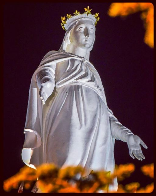 Have a  blessed  sunday virgin  marry  harissa  lebanon_pictures ... (The Lady of Lebanon - Harissa)