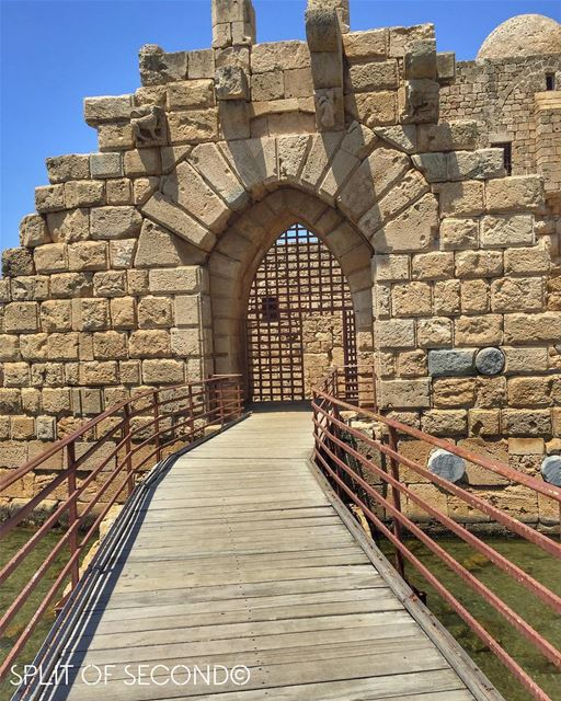 Sidon's Sea Castle was built by the crusaders as a fortress In 1254...... (Saida The Sea Castle)