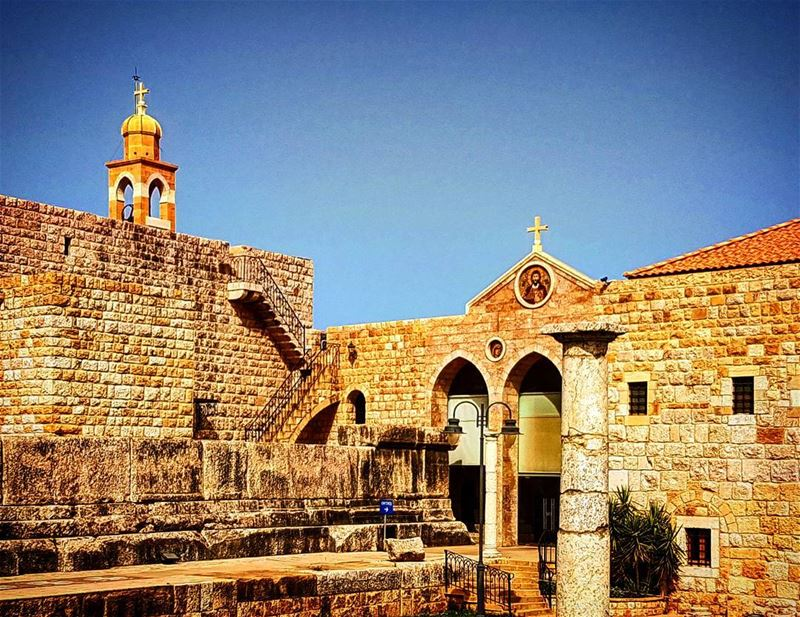 deiralqalaa historiqueplace religiousplace lotsofstories events war... (Beit Meri, Mont-Liban, Lebanon)