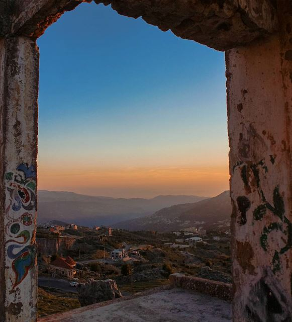 Decorate your view 🍃🎨🌅... lebanon zaarour frame art abandoned ...