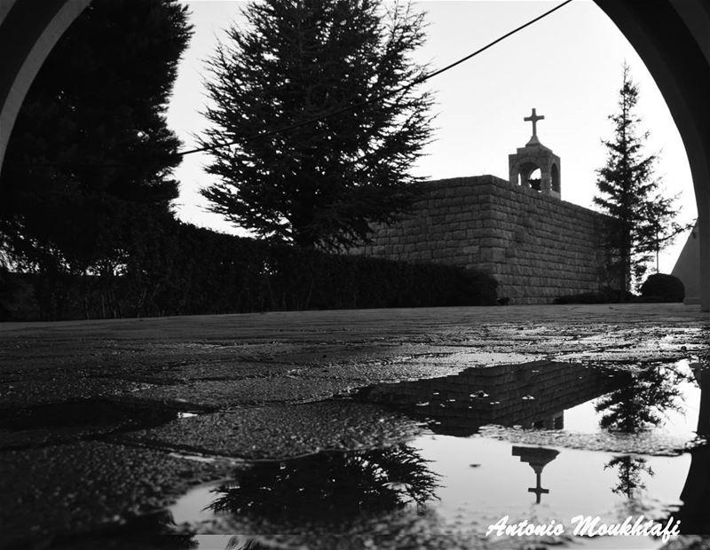 ehden saydetelhosn mountains lebanon north church black ... (Ehdène, Liban-Nord, Lebanon)