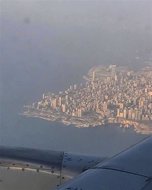 ل بيروت من قلبي سلام لبيروت 💙✈️.. lebanese lebanon_hdr ... (Beirut, Lebanon)