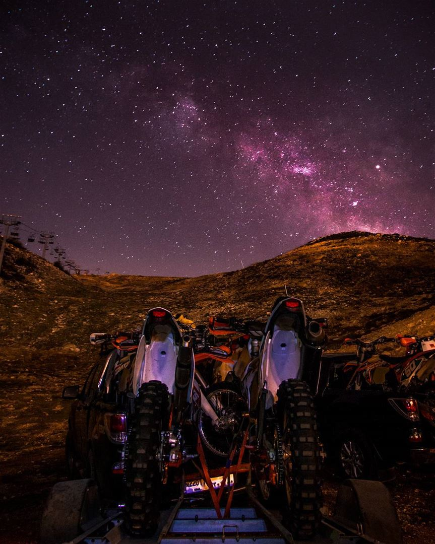 Reach for the stars🌌🚴..... milkyway stars ktm race motocross... (Zaarour)