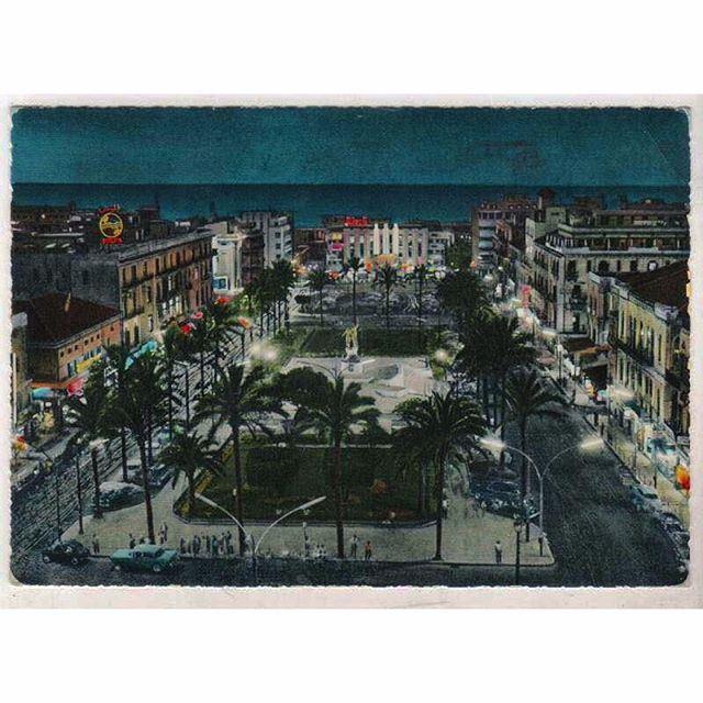 بيروت ساحة الشهداء ليلاً عام ١٩٦١ ،