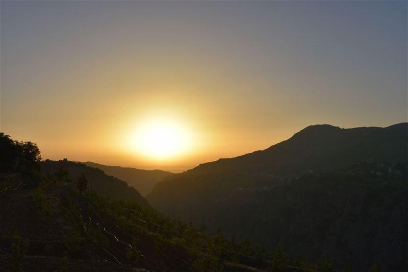 Seven Twenty Sunset------------------------------------ sunsets ... (Hadeth El Joubbe, Liban-Nord, Lebanon)