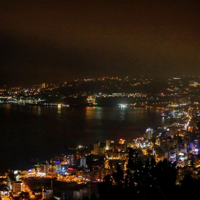 bay jounieh jouniehbay views night lights igers ig_nature ig_mood... (خليج جونيه)