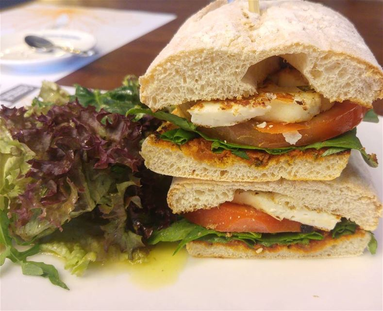 💫 And this mouthwatering Halloumi sandwich is all mine 😀...