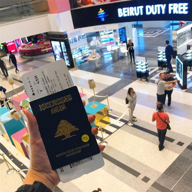👋🏻👋🏻👋🏻👋🏻👋🏻 (Beirut–Rafic Hariri International Airport)