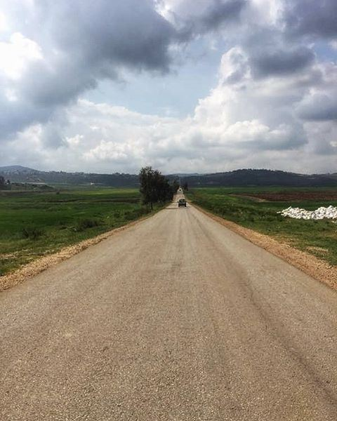 🏞️  tb  road  sunny  sunlight  spring  warmth  nature  green ... (Lebanon - Israel Border)