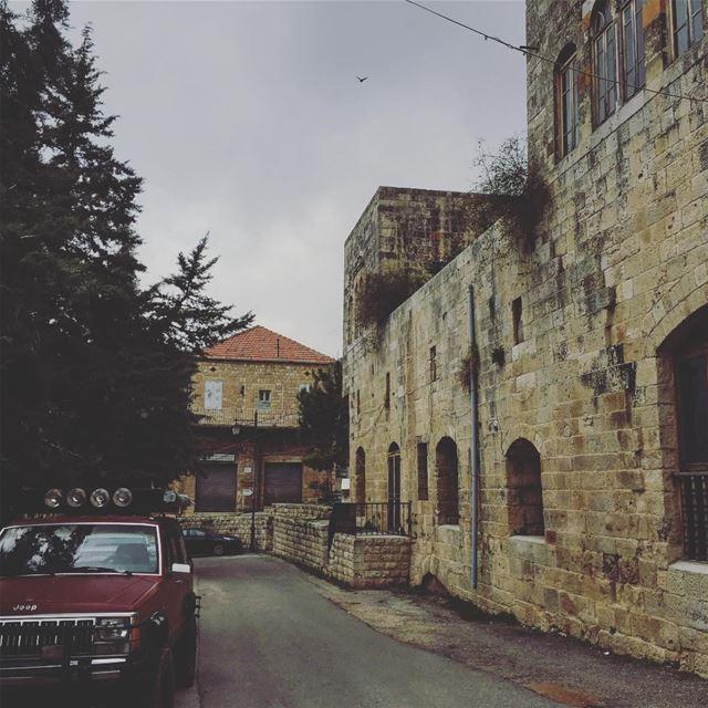 Lebanon beirut livelovelebanon livelovebeirut insta_lebanon ... (Deir el Qamar Synagogue)