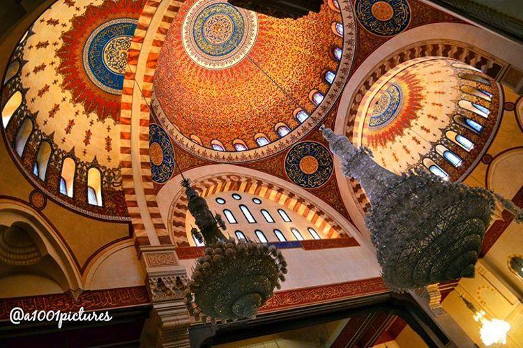 Inside Mohamad Al-Amin Mosque, downtown Beirut, Lebanon... photos ... (Beirut, Lebanon)