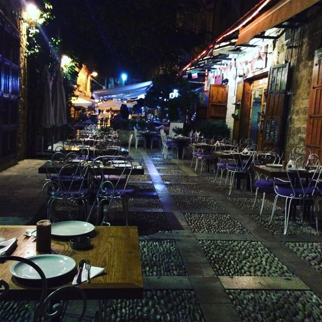 byblos livelovebyblos livelovelebanon lights nights focus food ... (Byblos, Lebanon)