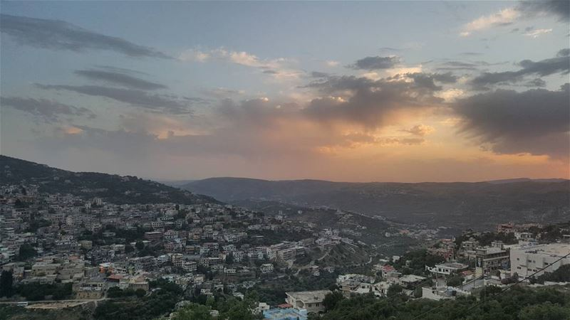 sunset  eachday  thesusnet  is  amazing  than  others  magicalview ... (Hasbaya)