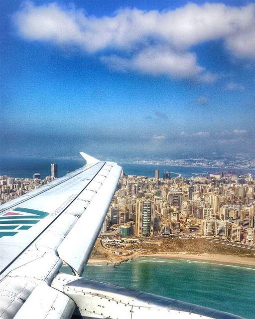 Holiday!!!! Ci sono posti che mancheranno sempre... e uno di questi è... (Beirut–Rafic Hariri International Airport)