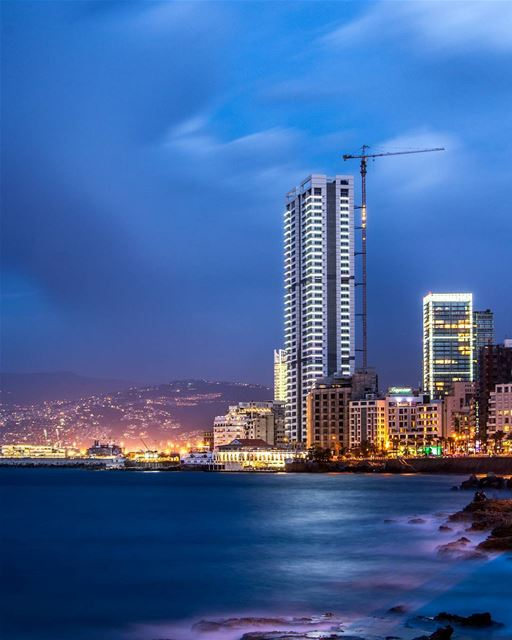 .The Blue Hour | Beirut, Lebanon | Long exposure. Good evening all🙋‍♂️🌆... (Beirut, Lebanon)
