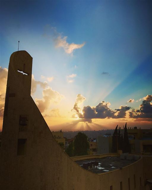 Beirut Sunset ! 🌅 livelovelebanon livelovebeirut lebanon beirut ... (Baabda District)