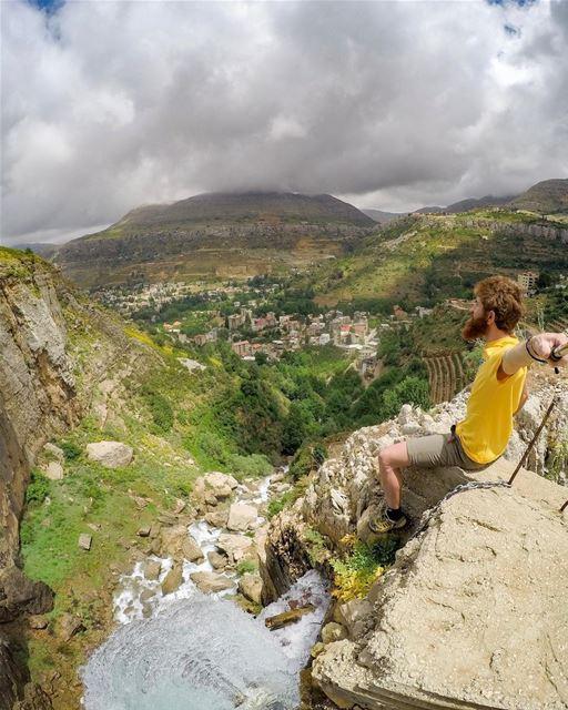 Chasing waterfalls 💦🦁 (Lebanon)